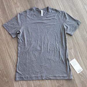 Lululemon Men's Gray T Shirt